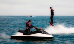 Eventura-Despedidas-soltero-en-Gijón-Asturias-actividades-agua-flyboard-2