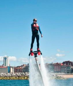 Eventura-Despedidas-soltero-en-Gijón-Asturias-actividades-agua-flyboard-8