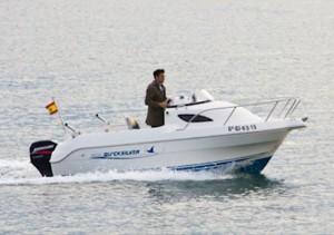 Eventura-Despedidas-soltero-en-Gijón-Asturias-actividades-agua-paseos-barco-gijon-10