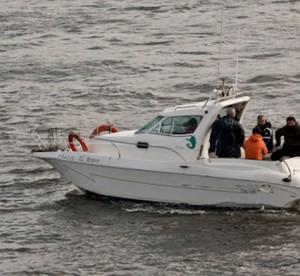 Eventura-Despedidas-soltero-en-Gijón-Asturias-actividades-agua-paseos-barco-gijon-4