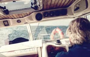 Eventura-Despedidas-soltero-en-Gijón-Asturias-actividades-agua-paseos-barco-gijon-7