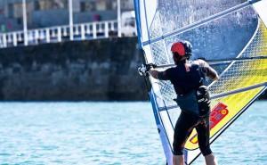 Eventura-Despedidas-soltero-en-Gijón-Asturias-actividades-agua-windsurf-1