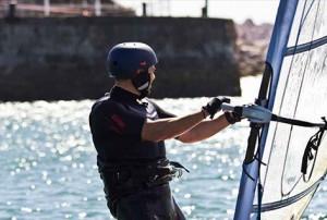 Eventura-Despedidas-soltero-en-Gijón-Asturias-actividades-agua-windsurf-3