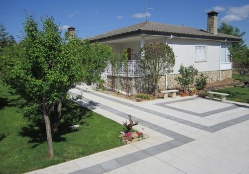 Casa Jardín 460 €