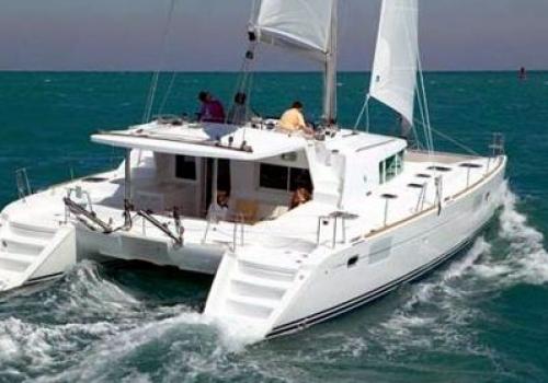 Catamaran 220€